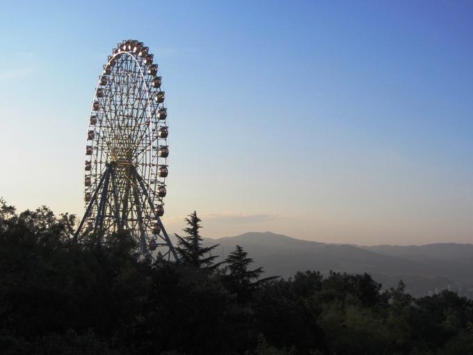 גלגל ענק, טביליסי, גיאורגיה