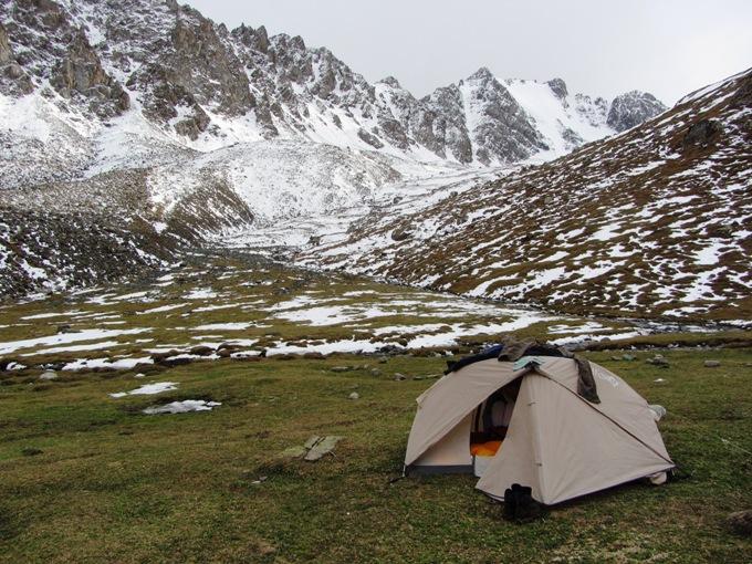 אוהל לפני שלג