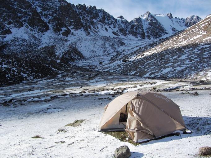 אוהל אחרי שלג