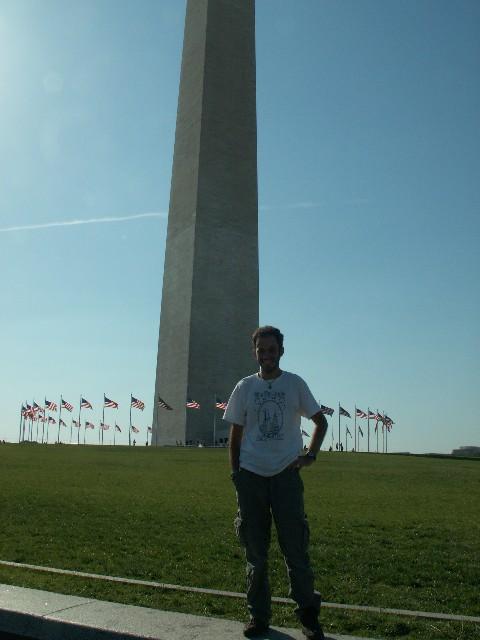 המחט של וושינגטון והבניין