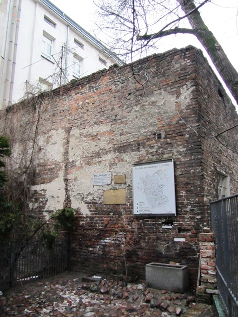 חומת גטו וורשה, פולין