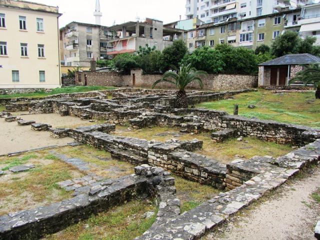 בית הכנסת, סרנדה, אלבניה