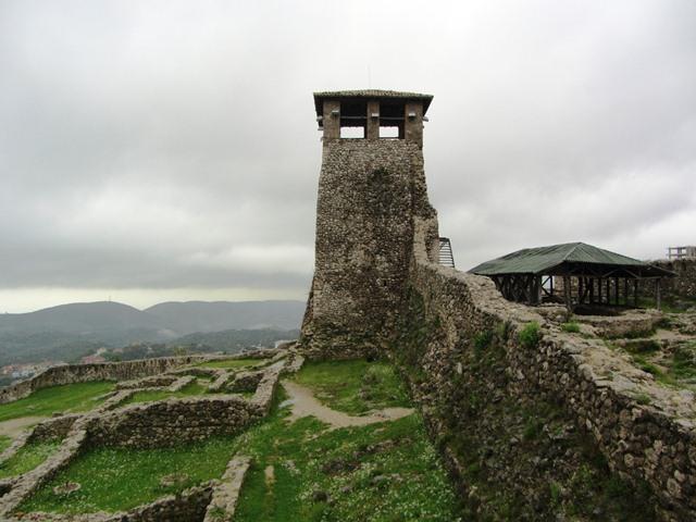 המצודה בקרויה, אלבניה