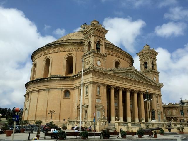 כנסיית DOM, מוסטה